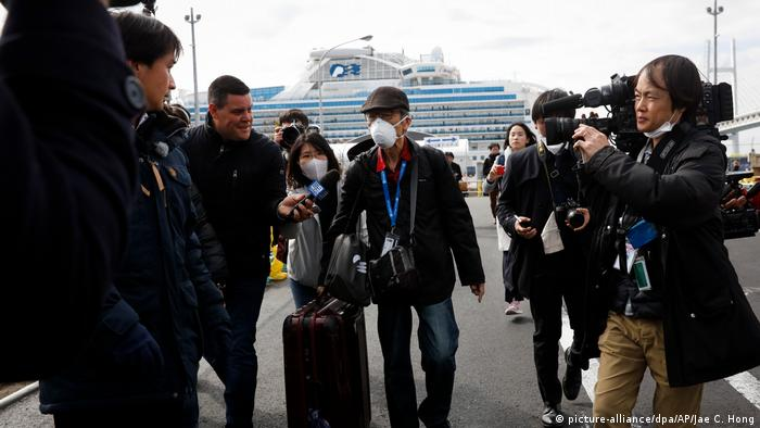 Coronavirus - Japan - Diamond Princess Kreuzfahrtschiff (picture-alliance/dpa/AP/Jae C. Hong)