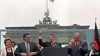 Reagan at the Berlin Wall