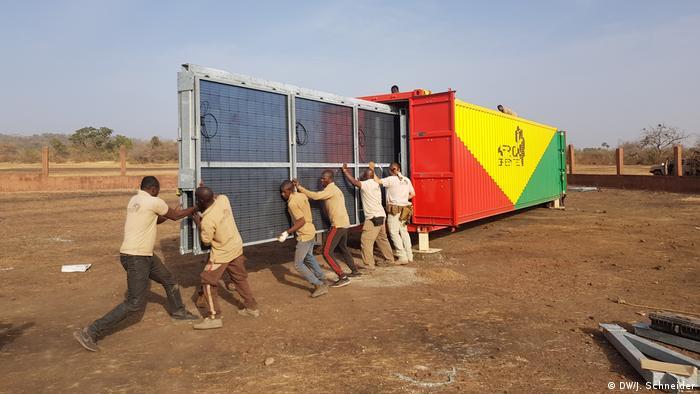 Installation of a solar generator in Sirakoro, Mali