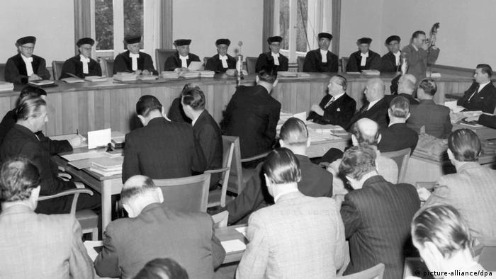 Pierwsze posiedzenie TK w Karlsruhe (02.10.1951)