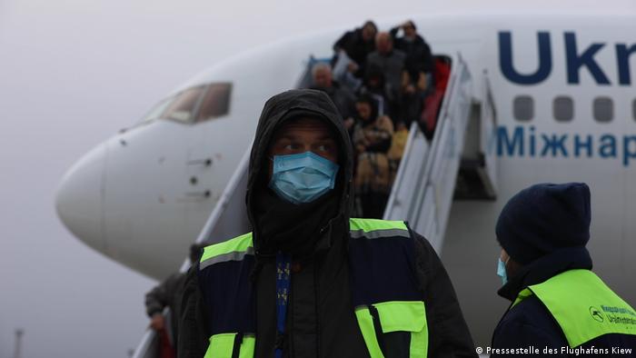 На початку лютого до Києва вже прилітав літак із Китаю