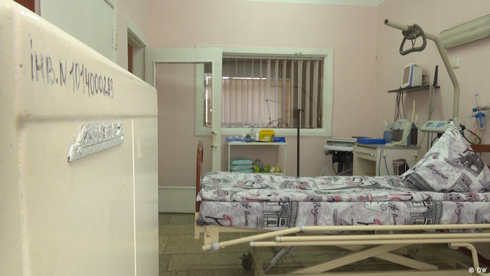 У 4-ій лікарні Києва є лише шість палат із сучасною апаратурою для пітримки пацієнтів із ускладненнями від коронавірусу