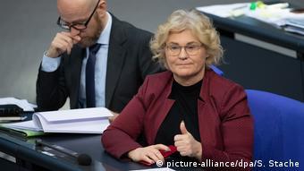 Кристине Ламбрехт в зале заседаний бундестага