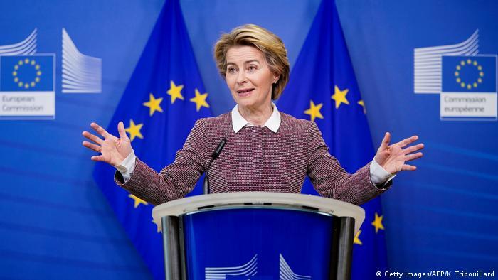 Belgien Brüssel   Ursula von der Leyen während Konferenz zu künstlischer Intelligenz (Getty Images/AFP/K. Tribouillard)