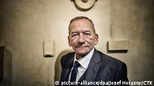 10.12.2018, Tschechien, Prag: ***FILE PHOTO*** Jaroslav Kubera (Civic Democrats, ODS), Chairman od the Senate of the Czech Republic, poses for the photographer in the seat of the Senate in Prague, Czech Republic, on December 10, 2018. *** The chairman of the Senate, the upper house of Czech parliament, and a long-term mayor of Teplice, north Bohemia, died in this town all of a sudden on January 20, 2020, at the age of 72 years, Senate press secretary Sue Nguyen has told CTK. (CTK Photo/Josef Horazny) Foto: Josef Horazny/CTK/dpa |