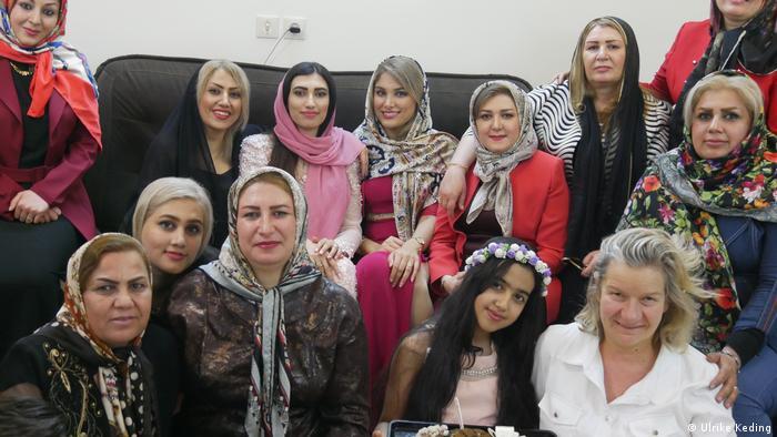 Kennenlernen persische frauen Kurdische Frauen