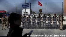 Türkei Istanbul | Soldaten vor Gerichtsgebäude vor Prozess gegen 16 leitende Mitglieder der Zivilgesellschaft