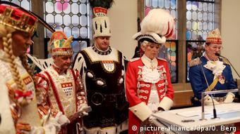 Ενός λεπτού σιγή για τα θύματα του Χάναου στο Καρναβάλι της Κολωνίας