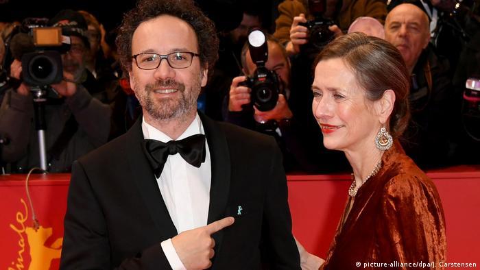 Berlinale 2020 - Eröffnungsgala | Carlo Chatrian und Mariette Rissenbeek (picture-alliance/dpa/J. Carstensen)