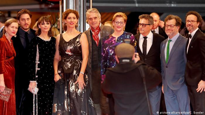 Kleber Mendonça Filho e os demais jurados da Berlinale na abertura do festival nesta quinta-feira