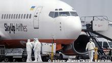 Ukraine Kiew Corona Flugzeug mit Evakuierten aus China