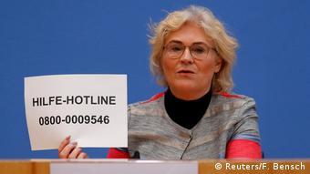 Deutschland Horst Seehofer und Christine Lambrecht PK zu Hanau Anschlag in Berlin