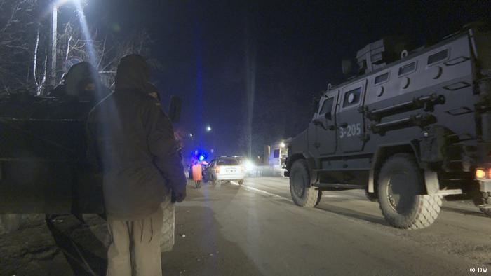 Аби гарантувати безпеку евакуйованих на шляху до санаторію в Нових Санжарах, довелося вдаватись до жорстких заходів