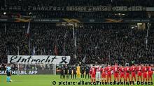 Fußball Europa League Eintracht Frankfurt - FC Red Bull Salzburg Schweigeminute für Hanau