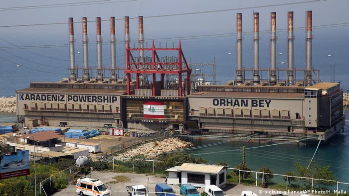 محطة كهرباء تركية عائمة على الساحل اللبناني لتزويد لبنان بالكهرباء تعاني نقص الوقود اللازمة لتشغيله