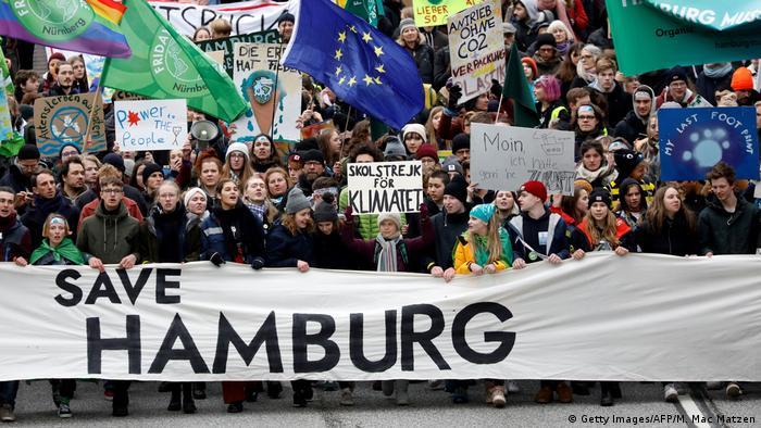 Deutschland Hamburg Demonstration von Fridays for Future