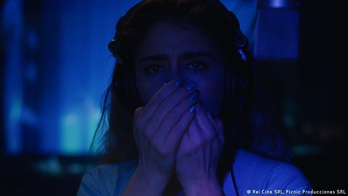 Erica Rivas en el papel de Inés, una actriz de doblajes, que se mimetiza con su personaje.