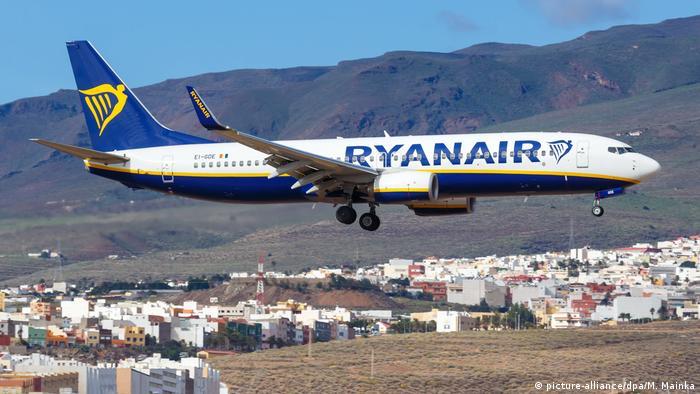 Spanien Ryanair Boeing 737-800 Flugzeug Flughafen Gran Canaria