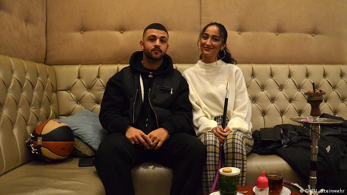 Baba'z-Barbesucher Mehdi Cekmecelioglu und Zara Gülsoy