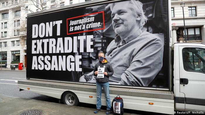 Julian Assange's extradition hearing begins in London