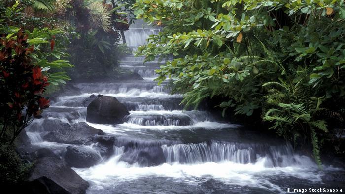 Foto de aguas termales en Costa Rica