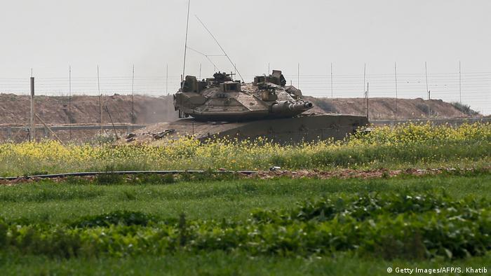 İsrail tankları Hamas mevzilerini vurdu
