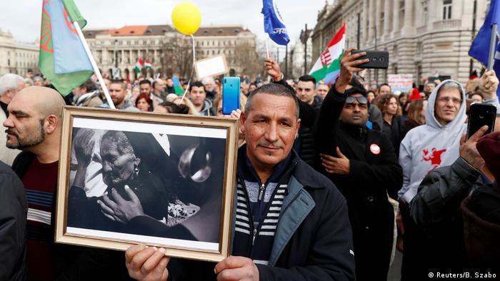 Protesti u Budimpešti protiv odluke vlade o segraciji dece Roma, 23. februar 2020.