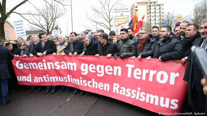 10,000 mourn victims of racist shooting rampage in Hanau, Germany