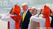 Indien   Donald Trump auf Staatsbesuch in Indien neben Narendra Modi