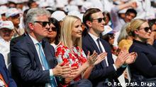 Indien   Donald Trump auf Staatsbesuch in Indien: Ivanka Trump, Jared Kushner neben Sicherheitsberater Robert O'Brien