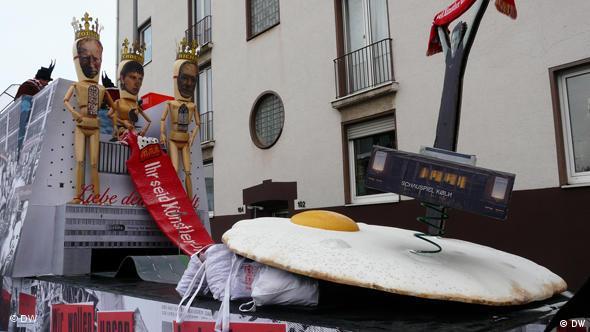 Der Karnevalswagen der Protestaktion Ihr seid Künstler und wir nicht für den Erhalt des Kölner Schauspielhauses (Foto: DW)