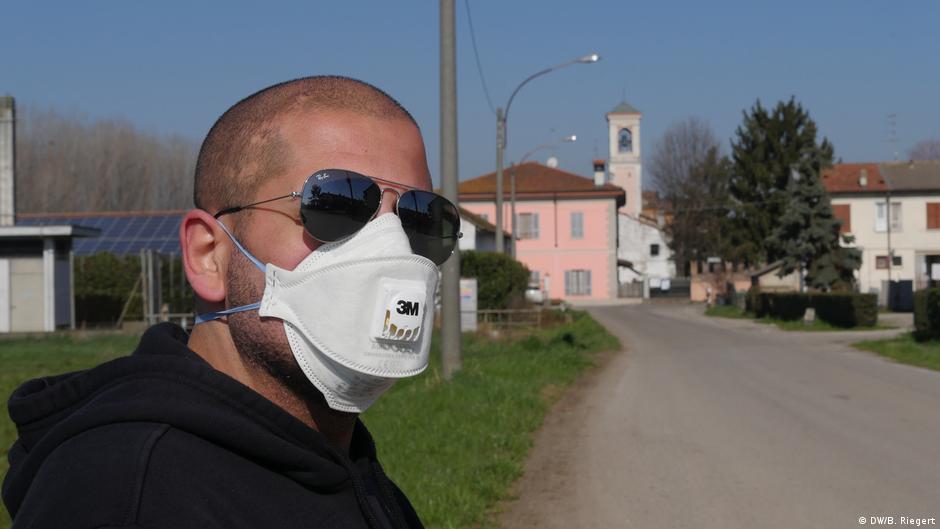 Coronavirus: Life around Italy's quarantined 'red zone'