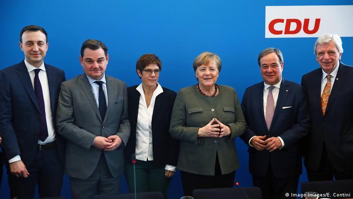 Berlin | CDU Vorstandssitzung: Angela Merkel, Annegret Kramp-Karrenbauer, Paul Ziemiak, Marcus Weinberg und weitere (Imago Images/E. Contini)
