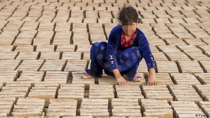 Iran Kinderarbeit in Ziegelei