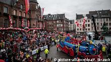 Düsseldorf | Rosenmontag Karnevalszug