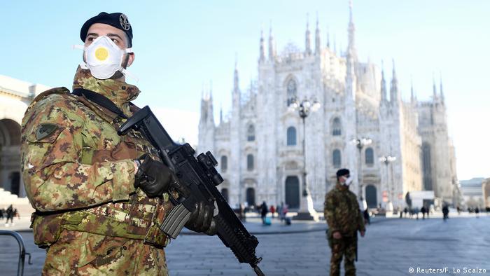Soldados nas ruas de Milão