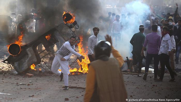 Indien Unruhen in Neu Delhi (picture-alliance/Xinhua News Agency/Str)