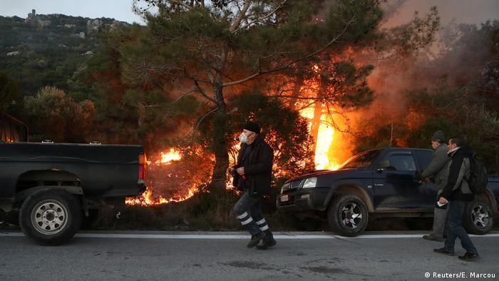 A migrant reception center was burned down on Lesbos by unknown perpetrators last Monday