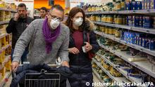Consequences of Corona virus infection in the city. People wearing the masks in supermarkets in Milan, Italy, on February 24, 2020, after Coronavirus outbreaks. Photo by IPA/ABACAPRESS.COM |