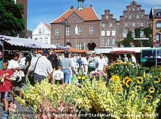 Mercado central de Husum, onde fica a casa em que Theodor Storm nasceu.