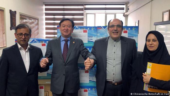 China spendet Mundschutz an den Iran