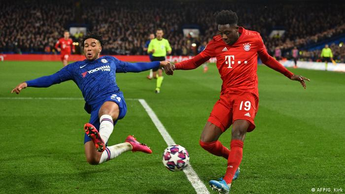 UEFA Champions League | FC Chelsea - Bayern München Alphoso Davies Flanke