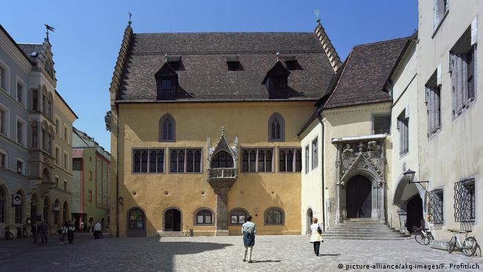 Germany | Regensburg: Old town hall (picture-alliance/akg-images/F. Profitlich)