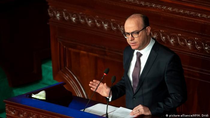 Der neue tunesische Ministerpräsident Elyes Fakhfakh im Parlament in der Hauptstadt Tunis (Foto: picture-alliance/AP/H. Dridi)