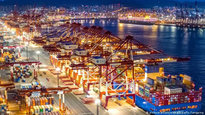 Kampf gegen Virus in China Firmen große Probleme mit dem Export