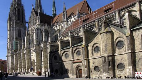 Germany | Regensburg: Gothic St. Peter Cathedral (picture-alliance/dpa/K. Nowottnick)