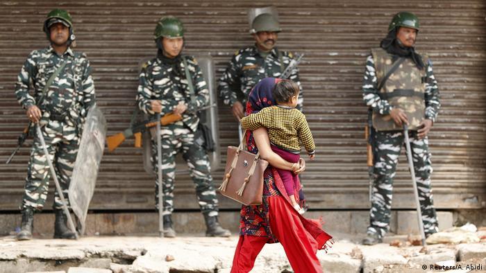 Indien Neu Delhi | Unruhen durch Proteste für und gegen neues Gesetz zur Staatsbürgerschaft (Reuters/A. Abidi)
