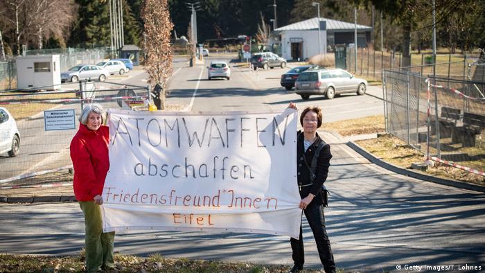 Deutschland Fliegerhorst Büchel Protest (Getty Images/T. Lohnes)