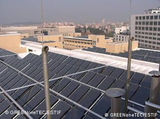 Sonnenkollektoren auf Dächern (Quelle: ESTIF)