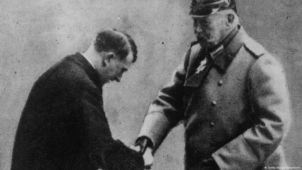 Berlin strips Hitler kingmaker Paul von Hindenburg of honorary citizenship | News | DW | 27.02.2020
